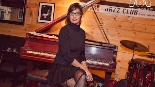Daphne Cattellat au Diese Onze Jazz Club