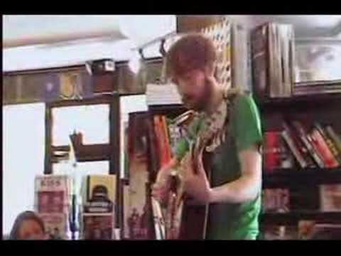 eric metronome performing 'copy cat' acoustic