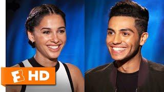 Mena Massoud & Naomi Scott Define Aladdin & Jasmine's Chemistry | 'Aladdin' Interview | Fandango