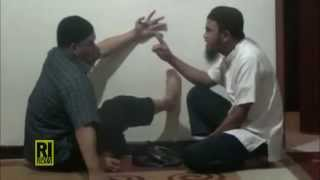 Video Ruqyah Ustadz Nuruddin Al Indunisy - Pasien ilmu kesaktian 2014 download MP3, 3GP, MP4, WEBM, AVI, FLV Oktober 2018
