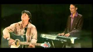 Download Video Bangla song // shipu chaklader/akashe dana mele MP3 3GP MP4