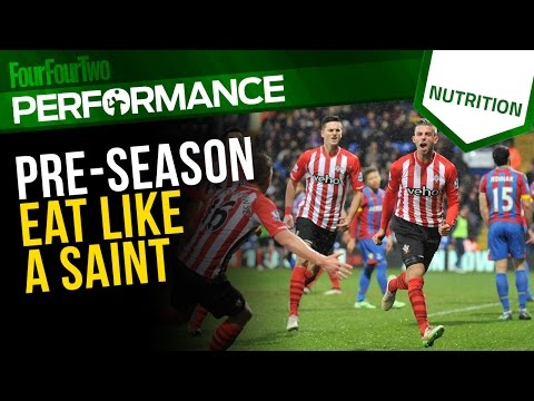 Professional Footballer's Diet During Pre-season Training | Sports Nutrition