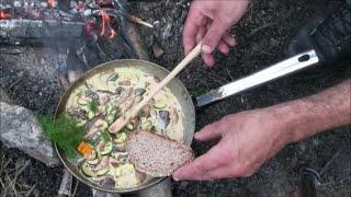 Feine Pilzrahmpfanne vom Lagerfeuer