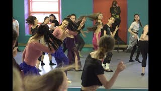 #Сихам_мк техника ираки и халиджи , махи волосами   khaleeji tutorial    الرقص الخليجي