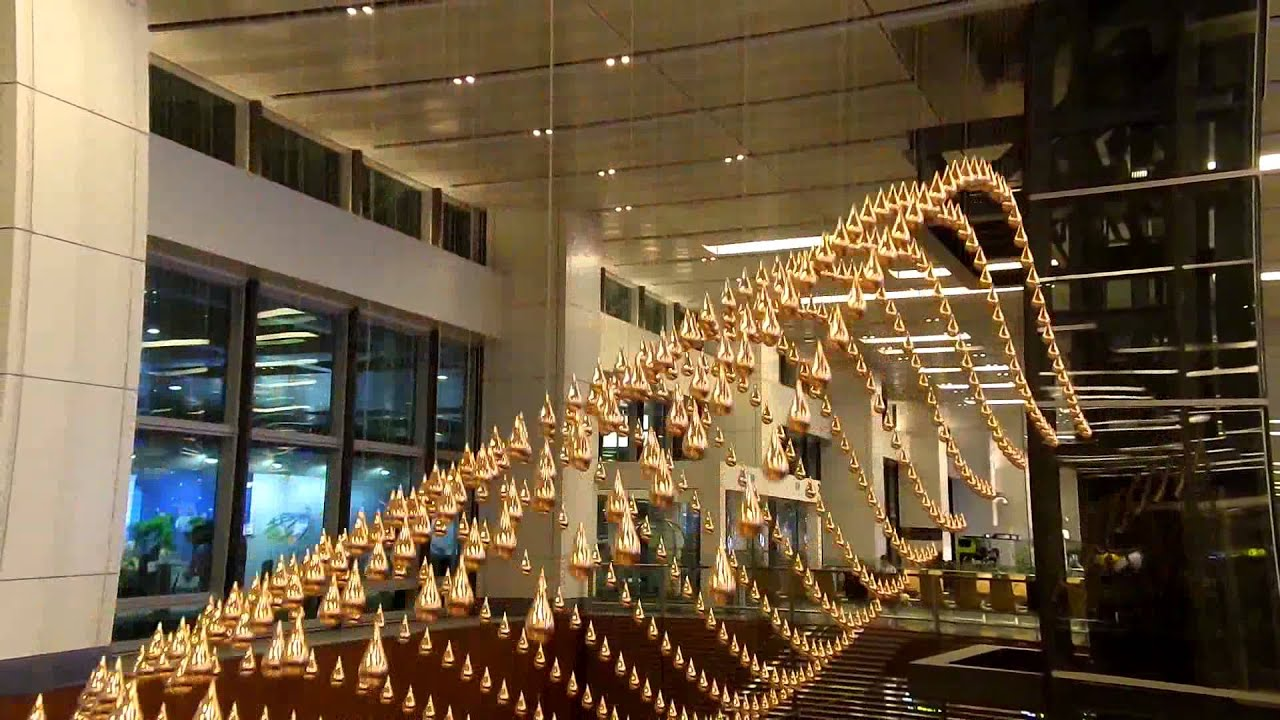 Changi Airport has the world largest Kinetic Rain a moving sculpture