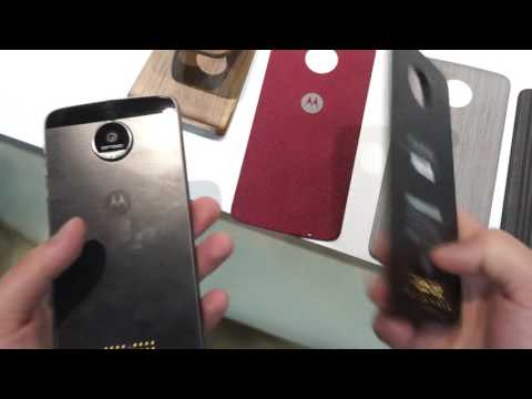 First Look at Moto Mods