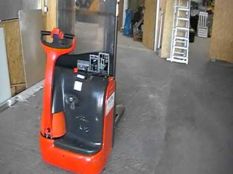 hochhubwagen stapler ameise linde l10 bj 2002 122 std youtube. Black Bedroom Furniture Sets. Home Design Ideas
