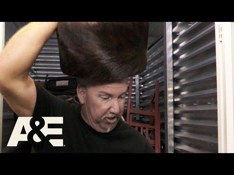 Storage Wars: Hats Off To Darrell's Big Win (Season 10)| A&E