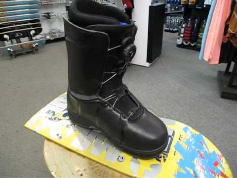 532fa87bbe 2014 Vans Cirro Snowboard Boot - YouTube
