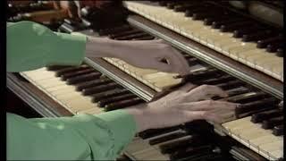 Gillian Weir - Toccata & Fugue in D minor (Bach), Bavokerk.