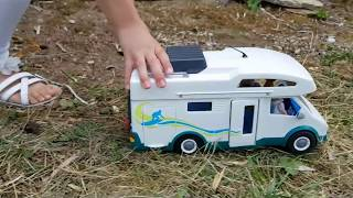 Playmobil - Vacances en camping car thumbnail