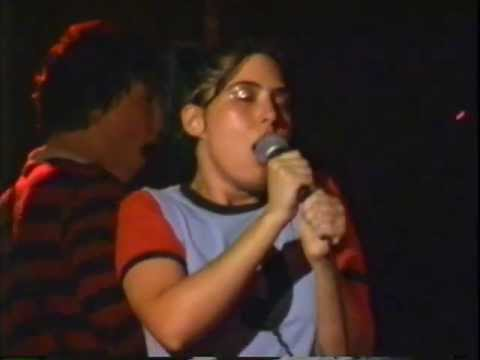 Bikini Kill - Sugar - live (1993)