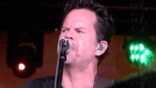"Gary Allan ""Right Where I Need to Be"" Acoustic Christmas 12/10/14"