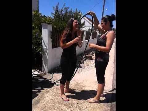 Banho público Marisa Mendes e Liliana Faulha