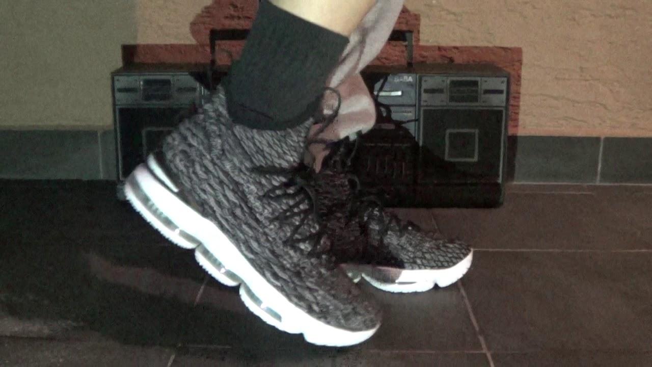 dfcb951153e61 FrenkySneaks - Nike Lebron 15