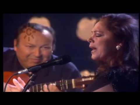 Isabel Pantoja canta