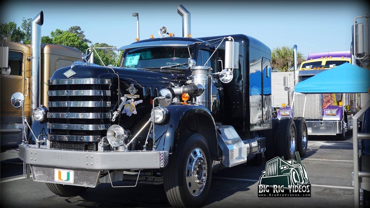 Diamond T - Truck Walk Around