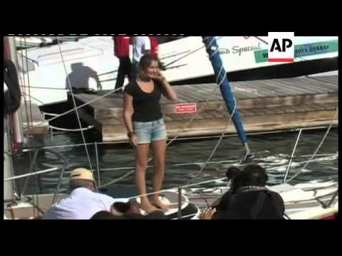 Teenage sailor Laura Dekker completes solo round the world voyage
