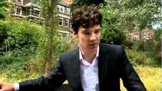 Benedict Cumberbatch shows off his detective skills