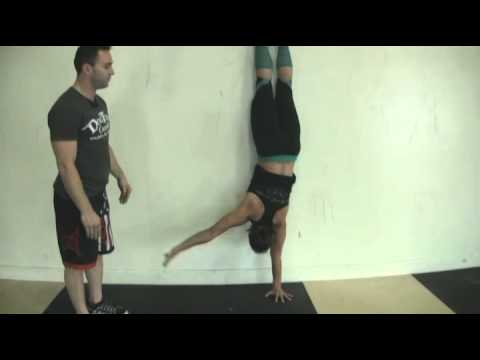 CrossFit - Learning The Handstand Walk With DogTown CrossFit