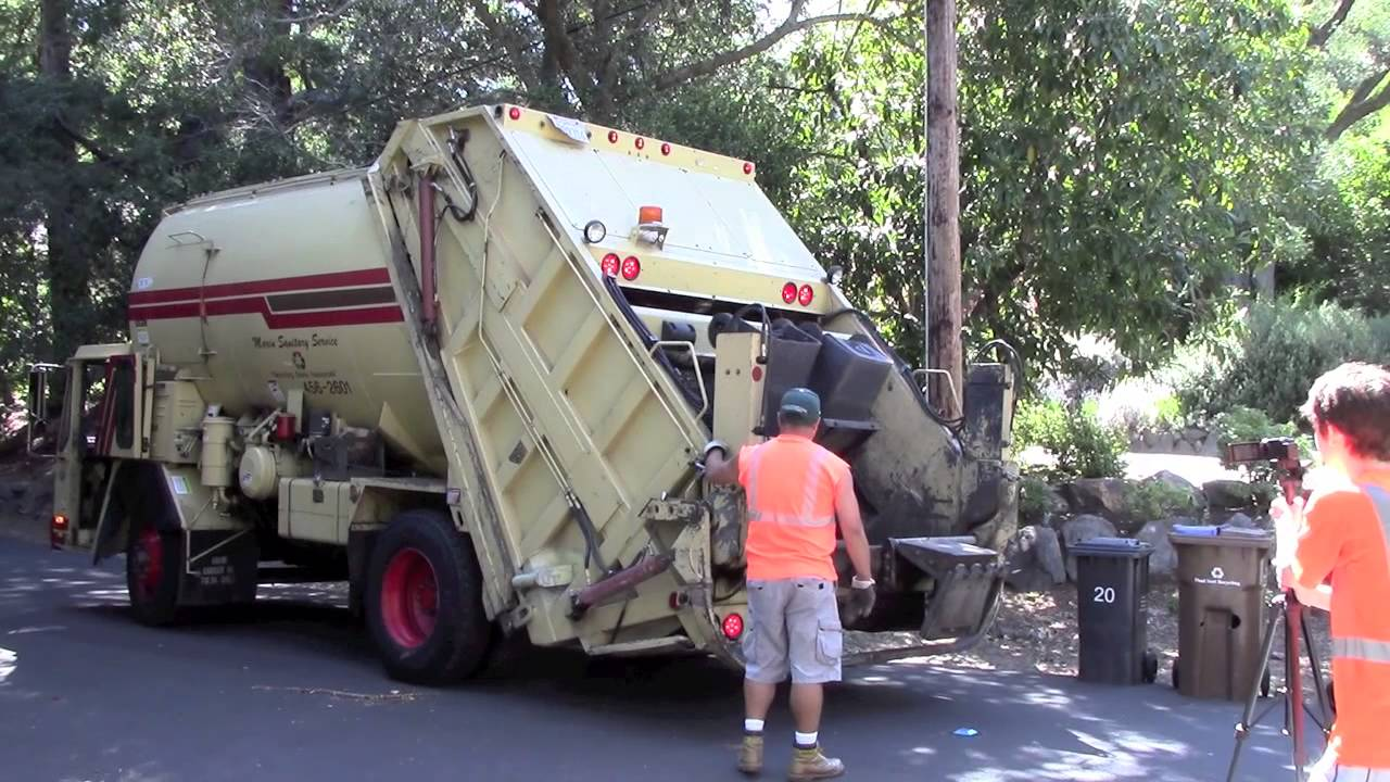 Marin Sanitary Service : Marin sanitary service ccc integrated rear loader youtube