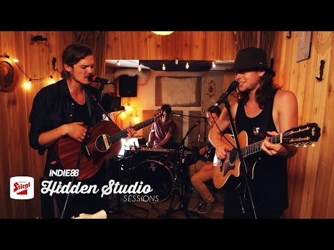 "Half Moon Run - ""Full Circle"" & ""I Can't Figure Out What's Going On"" (Stiegl Hidden Studio Sessions)"