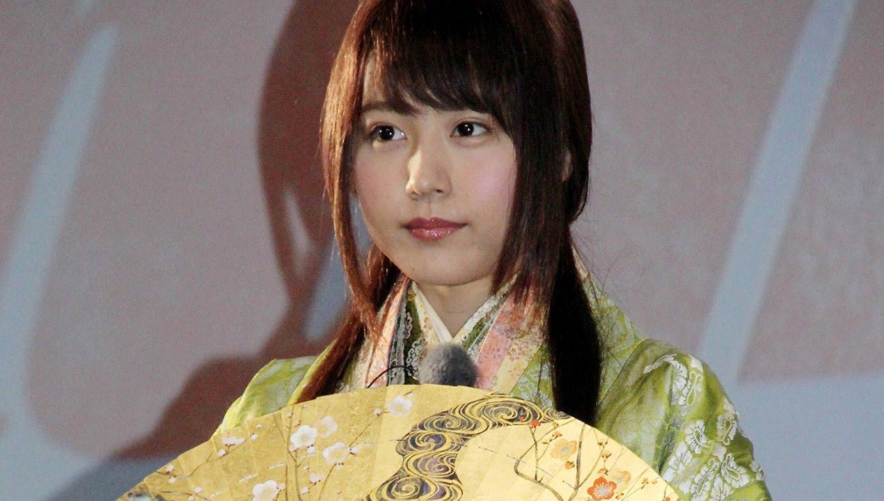"""arimura kasumi cm 有村架純、好みのタイプは""""バランス男子"""" 話題CMに新キャラ登場?「au発表会 2015 Summer」2 #Kasumi Arimura #au -  YouTube"""