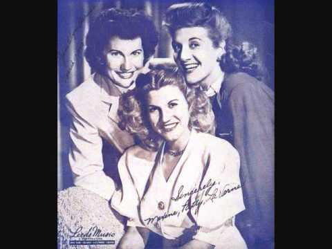 the-andrews-sisters-her-bathing-suit-never-got-wet-1946-catspjamas1
