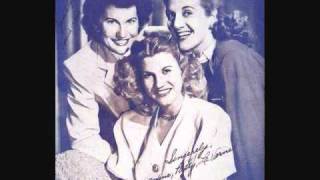 The Andrews Sisters - Her Bathing Suit Never Got Wet (1946)