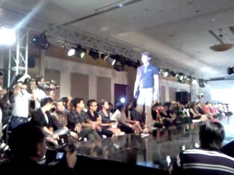 MASCHIO FASHION (MOV085.3gp)