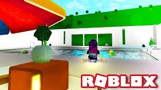 MY BLOXBURG POOL! | Roblox Roleplay - France Bienvenue à Bloxburg