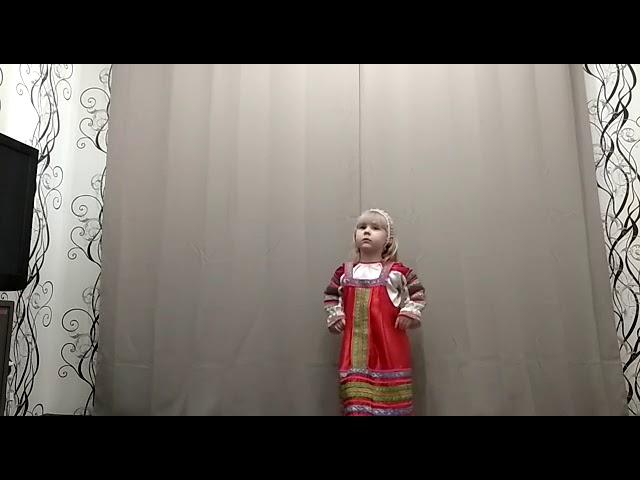 Изображение предпросмотра прочтения – ВалерияАртамонова читает произведение «Частушки» (Русский фольклор )