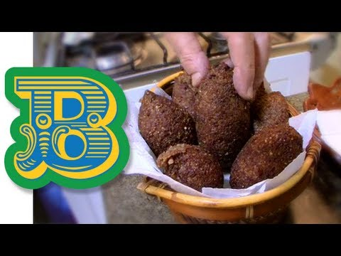 How to make Kibbeh (Kibe) - Brazil's popular 'arab' snack