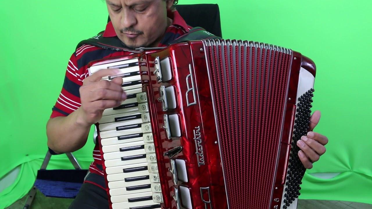 muzica pariziana la acordeon