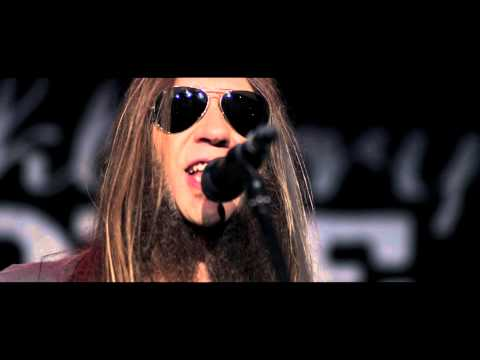 Blackberry Smoke - Shakin' Hands With The Holy Ghost (Official Video)