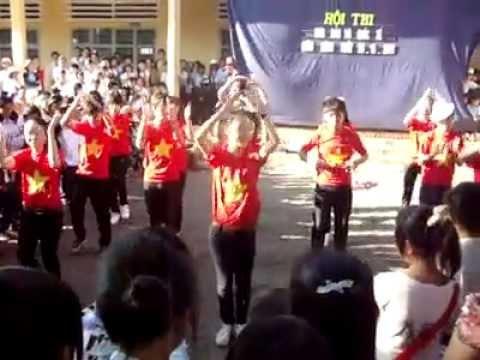 Múa dân vũ bài Rasa sayang - lớp 9/6 trường THCS Nguyễn Văn Cừ
