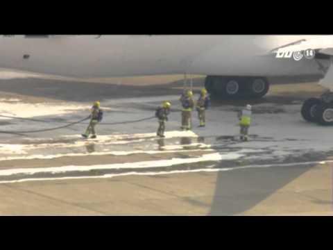 VTC14_Thêm một máy bay Boeing 787 Dreamliner bị bốc cháy