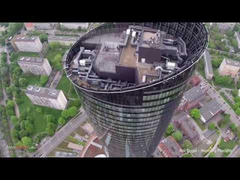 Przelot nad Sky Tower