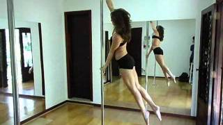 Aulas de Pole Dance - Professora Anna Bi...