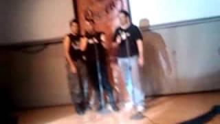 Las 3 petardas cantando la wini jiuston! XDD