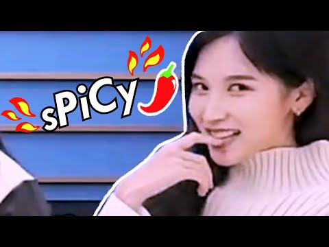 TWICE playing a *sPiCy* game of mafia (beware of mina's eyes 👀 ...)