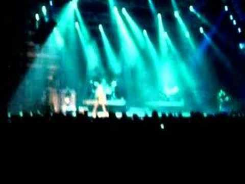 Download more of Adam Levine singing Wake-up Call
