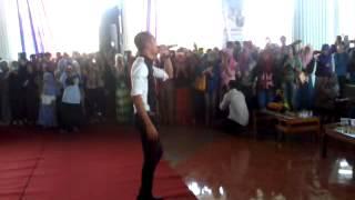 Tomok New Boyz Nyanyi Hiasan Di Laman Rindu di UNP