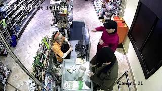 Драка в супермаркете в Житомире закончилась убийством. Видео с камер наблюдения