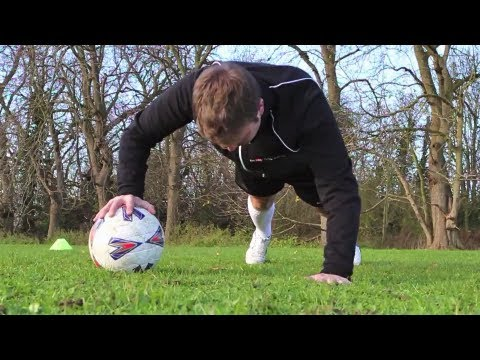 FOOTBALL FITNESS - How to get fit and improve your game STRskillSchool