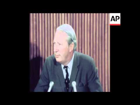 SYND 19/12/1970 BRITISH PRIME MINISTER EDWARD HEATH GIVING NEWS CONFERENCE IN WASHINGTON