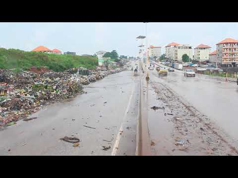 Pluie diluvienne à Conakry: des inondations  et la circulation routière perturbée un peu partout