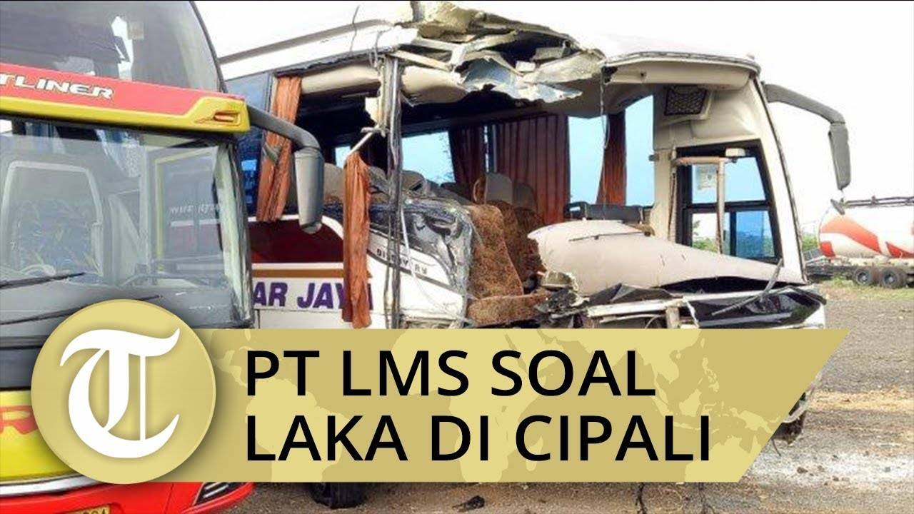 Kecelakaan Di Simpang Naripan Bandung Mobil Mewah Cium