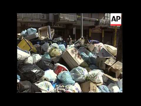 Waste collection crisis continues in southern Italy