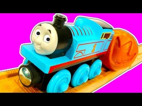 Thomas The Tank Fossil Run Wooden Railway Scrap Monster Train Wreck
